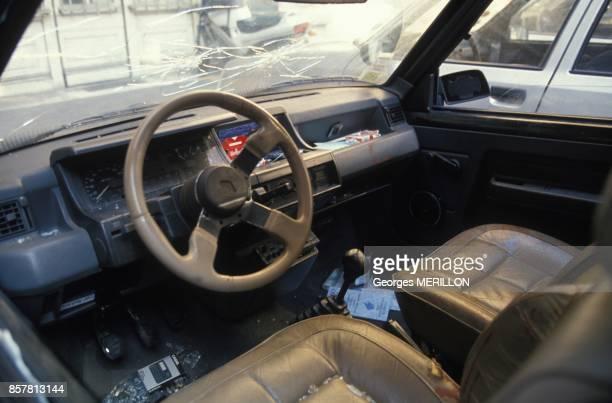 Les vehicules impliques dans la fusillade de Vincennes au 36 Quai des Orfevres ici la Renault 5 noire des malfrats le 5 octobre 1994 a Paris France