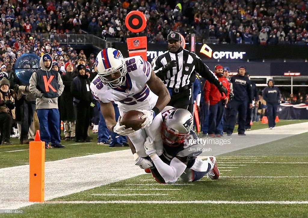 LeSean McCoy #25 of the Buffalo Bills scores a touchdown during the third quarter against the New England Patriots at Gillette Stadium on November 23, 2015 in Foxboro, Massachusetts.