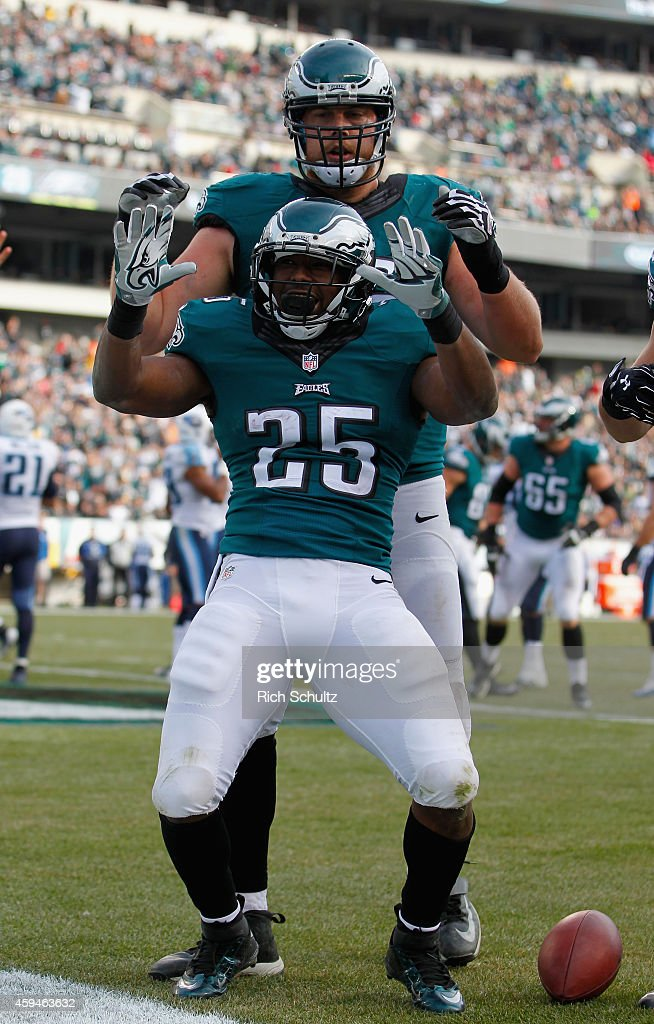 <a gi-track='captionPersonalityLinkClicked' href=/galleries/search?phrase=LeSean+McCoy&family=editorial&specificpeople=4484228 ng-click='$event.stopPropagation()'>LeSean McCoy</a> #25 of the Philadelphia Eagles celebrates a touchdown against the Tennessee Titans in the second quarter of the game at Lincoln Financial Field on November 23, 2014 in Philadelphia, Pennsylvania.