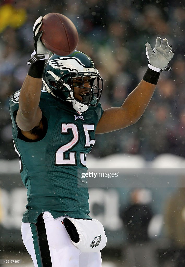 LeSean McCoy #25 of the Philadelphia Eagles celebrates his touchdown in the fourth quarter against the Detroit Lions on December 8, 2013 at Lincoln Financial Field in Philadelphia, Pennsylvania.The Philadelphia Eagles defeated the Detroit Lions 34-20.
