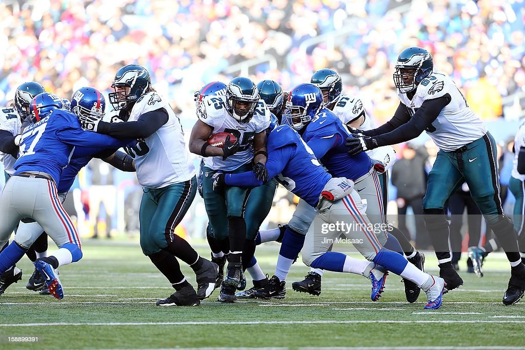 LeSean McCoy #25 of the Philadelphia Eagles in action against the New York Giants at MetLife Stadium on December 30, 2012 in East Rutherford, New Jersey. The Giants defeated the Eagles 42-7.