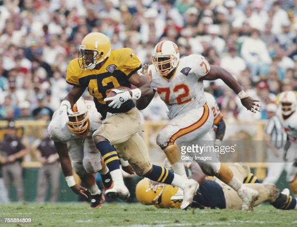 LeShon Johnson Running Back for the Green Bay Packers runs the ball during the National Football Conference Central game against the Tampa Bay...