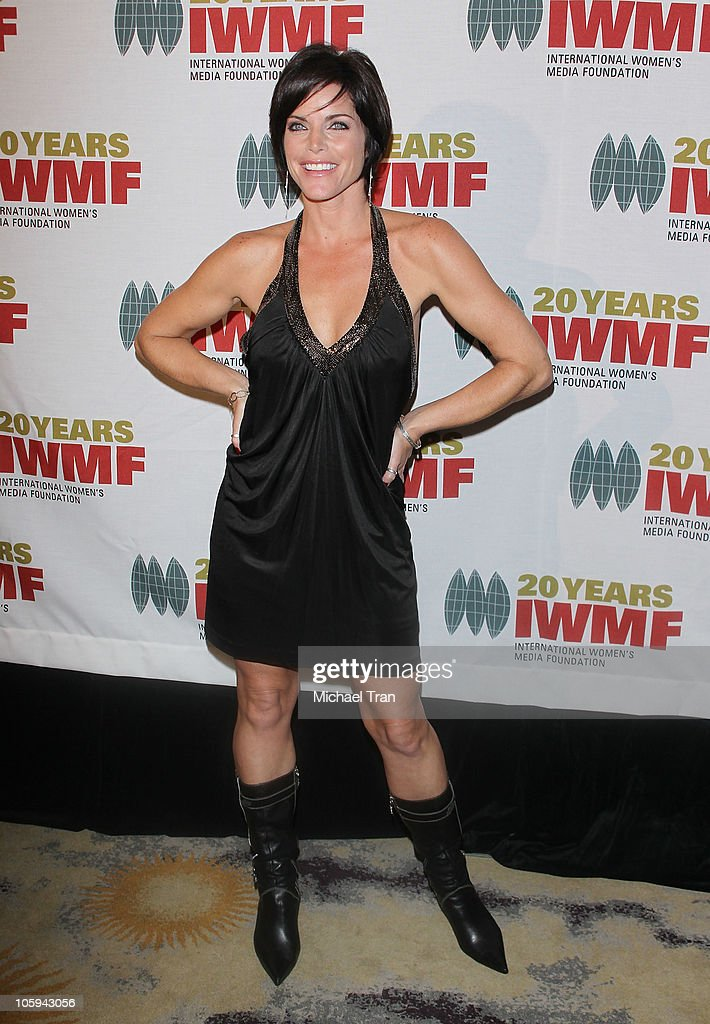 <a gi-track='captionPersonalityLinkClicked' href=/galleries/search?phrase=Lesli+Kay&family=editorial&specificpeople=624062 ng-click='$event.stopPropagation()'>Lesli Kay</a> arrives at The International Women's Media Foundation's 'Courage In Journalism' awards held at Beverly Hills Hotel on October 21, 2010 in Beverly Hills, California.