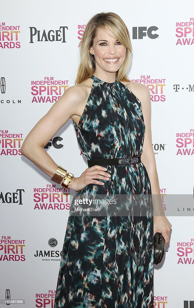 Leslie Bibb arrives at the 2013 Film Independent Spirit Awards held on February 23, 2013 in Santa Monica, California.