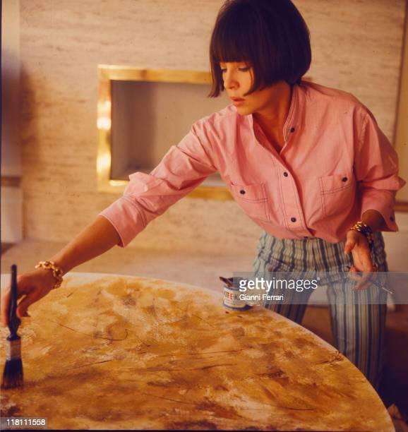 Leslie Caron painting Paris France