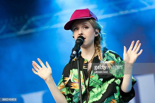 Leslie Clio Konzert beim MS Dockville Festival in HamburgWilhelmsburg vom