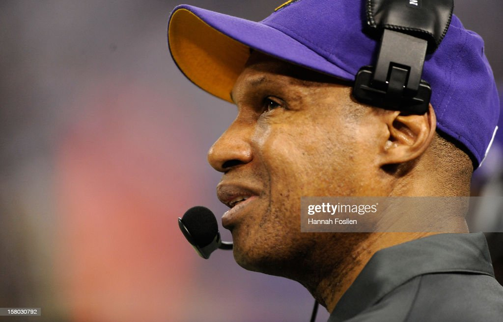 Leslie Frazier of the Minnesota Vikings looks on during the fourth quarter of the game against the Chicago Bears on December 9, 2012 at Mall of America Field at the Hubert H. Humphrey Metrodome in Minneapolis, Minnesota. The Vikings defeated the Bears 21-14.