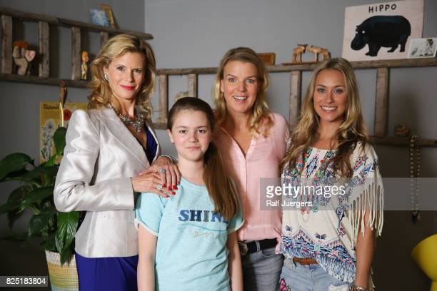 Leslie Malton Laurena Marisol Lehrich Mirja Boes and Sina Tkotsch pose during the set visit of the new RTL tv sitcom 'Beste Schwestern' on August 1...