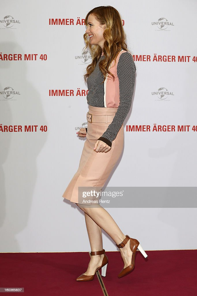 Leslie Mann attends the photocall 'Immer Aerger mit 40' (This Is 40) at Adlon Hotel on January 30, 2013 in Berlin, Germany.
