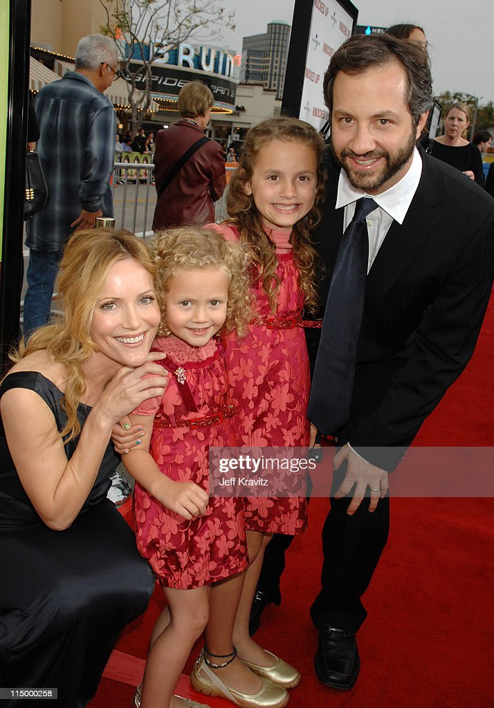 Leslie Mann Judd Apatow director/writer/producer with daughters Maude and Iris Apatow