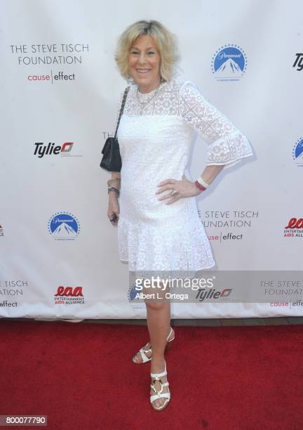 Leslie McClure attends the Entertainment AIDS Alliance's Annual EAA Wine Wisdom Vision Event Benefiting Village Health Foundation And UCLA CARE...
