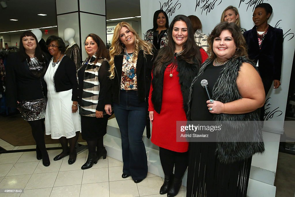Leslie Medlik (R) attends the Lord & Taylor NYC 2015 Holiday Windows Unveiling With Austin Mahone on November 12, 2015 in New York City.