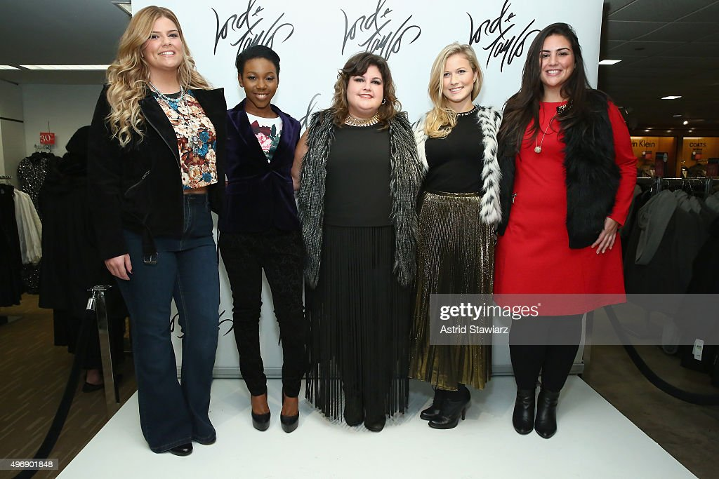 Leslie Medlik (C) attends the Lord & Taylor NYC 2015 Holiday Windows Unveiling With Austin Mahone on November 12, 2015 in New York City.