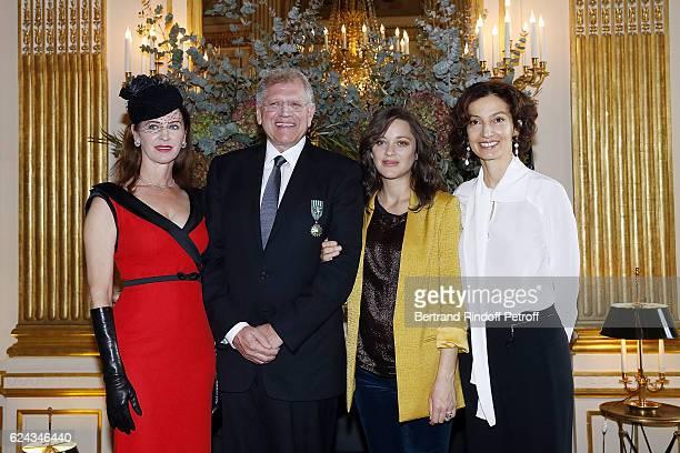 Leslie Zemeckis Robert Zemeckis Marion Cotillard and Audrey Azoulay attend Robert Zemeckis decorated 'Officier des Arts et Lettres' by Ministre de la...