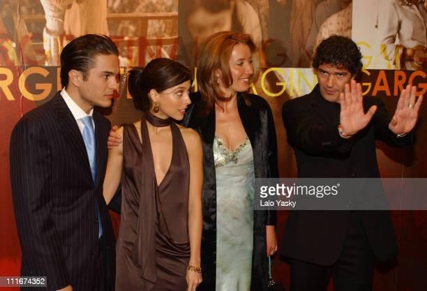 Leticia Dolera Kuno Becker Emma Thompson and Antonio Banderas