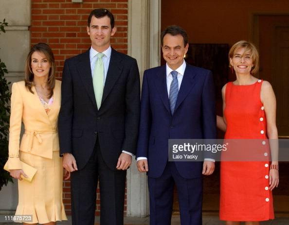 ¿Cuánto mide el Rey Felipe VI? - Altura - Real height Letizia-ortiz-crown-prince-felipe-jose-luis-rodriguez-zapatero-and-picture-id111675723?s=594x594