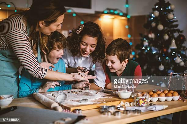 Lassen Sie es uns machen Kekse für Weihnachten