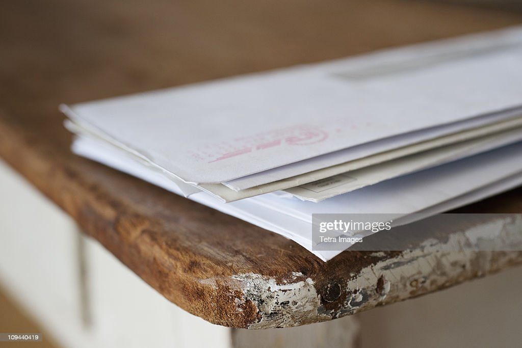 Letters on the egde of table