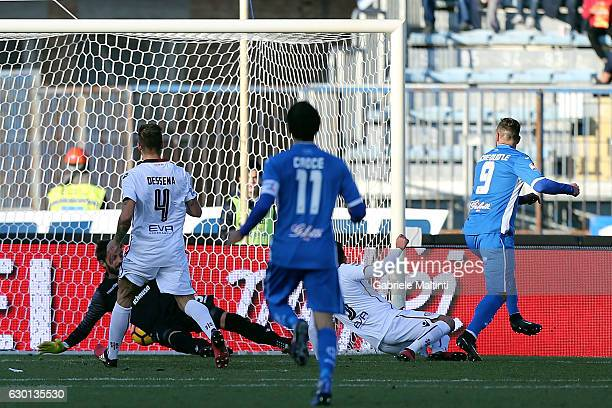 Levan Mchedlidze of Empoli FC scores the opening goal during the Serie A match between Empoli FC and Cagliari Calcio at Stadio Carlo Castellani on...