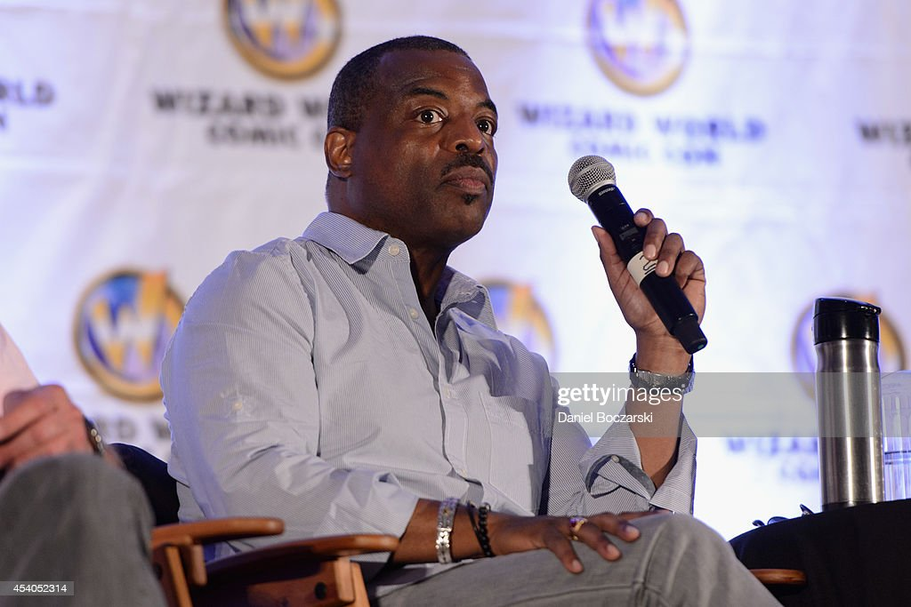 Levar Burton attends Wizard World Chicago Comic Con 2014 at Donald E. Stephens Convention Center on August 23, 2014 in Chicago, Illinois.