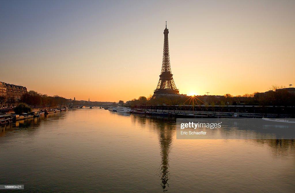 Lever de soleil parisien