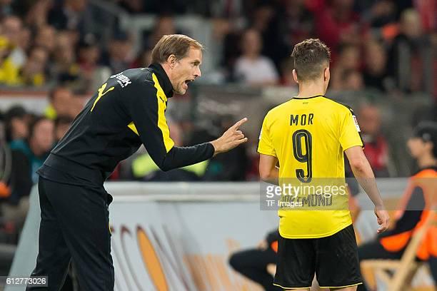 Leverkusen Germany 1Bundesliga 6 Spieltag Bayer 04 Leverkusen BV Borussia Dortmund 20 Trainer Thomas Tuchel und Emre Mor