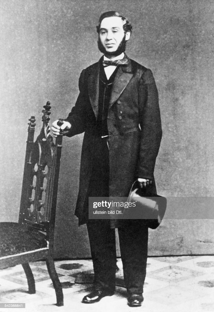 biography of levi strauss Levi strauss was born on february 26, 1829 in buttenheim, germany to a jewish  family strauss would not immigrate to the usa until 1847 at.