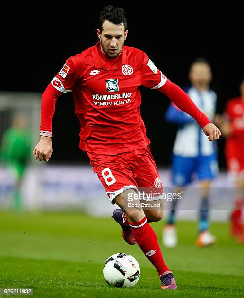Levin Oeztunali of 1 FSV Mainz 05 runs with the ball during the Bundesliga match between Hertha BSC and 1 FSV Mainz 05 at Olympiastadion on November...