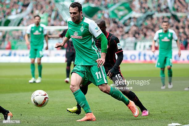 Levin Oeztunali of Bremen in action during the Bundesliga match SV Werder Bremen and Eintracht Frankfurt at Weserstadion on May 14 2016 in Bremen...