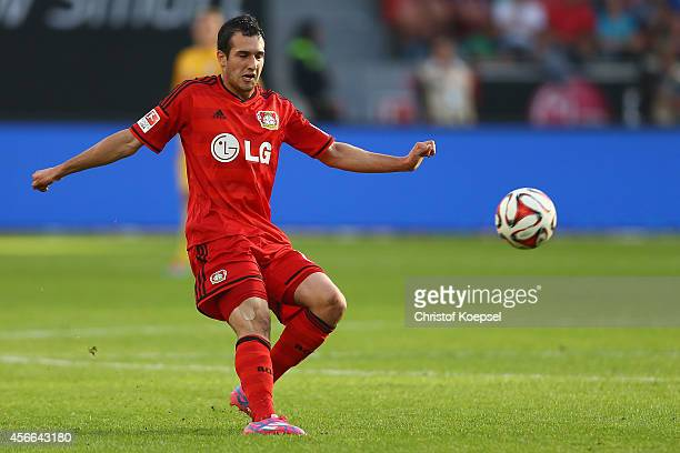 Levin Oeztunali of Leverkusen runs with the ball during the Bundesliga match between Bayer 04 Leverkusen and SC Paderborn at BayArena on October 4...