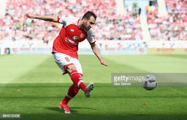Levin Oeztunali of Mainz controles the ball during the Bundesliga match between 1 FSV Mainz 05 and Eintracht Frankfurt at Opel Arena on May 13 2017...