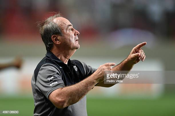 Levir Culpi coach of Atletico MG a match between Atletico MG and Santos as part of Brasileirao Series A 2014 at Independencia stadium on September 25...
