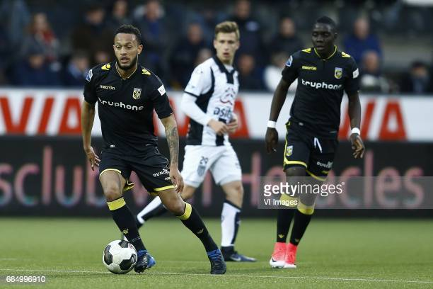 Lewis Baker of Vitesse Arnhem Reuven Niemeijer of Heracles Almelo Marvelous Nakamba of Vitesse Arnhemduring the Dutch Eredivisie match between...