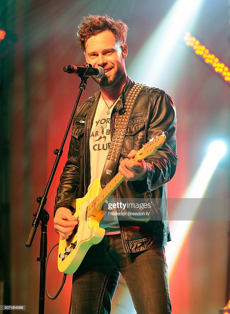 Lewis Brice performs on the Honda Stage at the NHL Fan Fair presented by Bridgestone at the Music City Center on January 29, 2016 in Nashville, Tennessee.