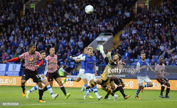 Lewis Grabban of Sunderland comes close with a header during the Sky Bet Championship match between Sheffield Wednesday and Sunderland at...