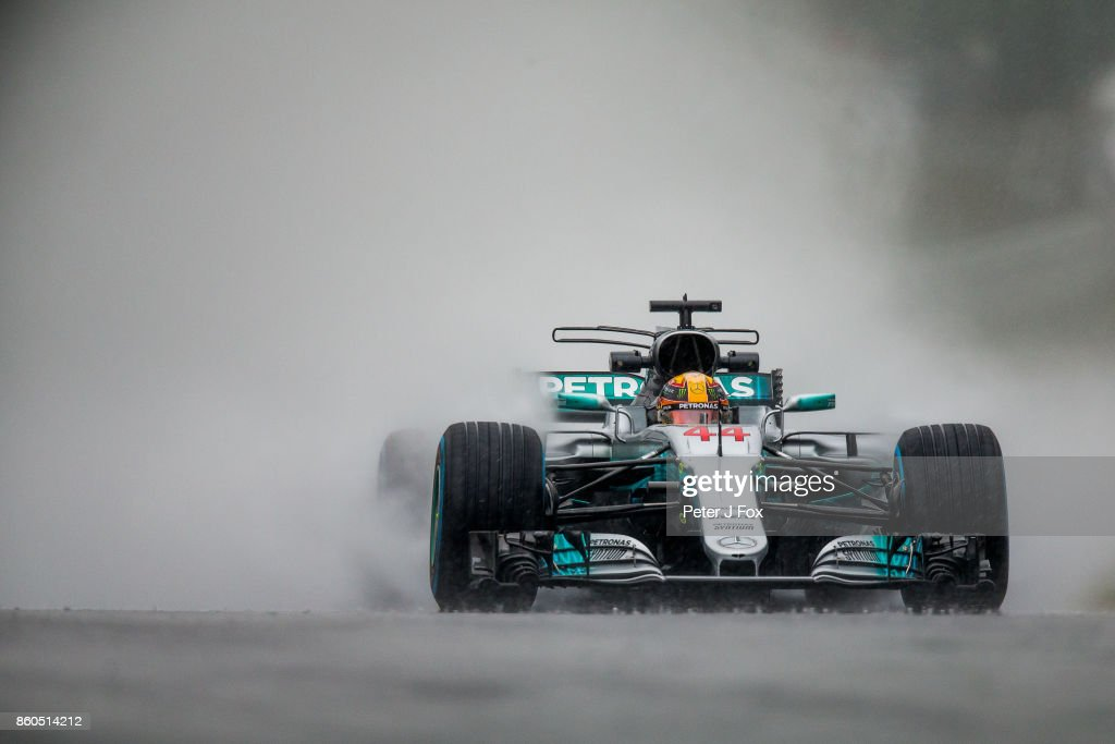 Lewis Hamilton of Great Britain and Mercedes during qualifying for the Formula One Grand Prix of Japan at Suzuka Circuit on October 7, 2017 in Suzuka.
