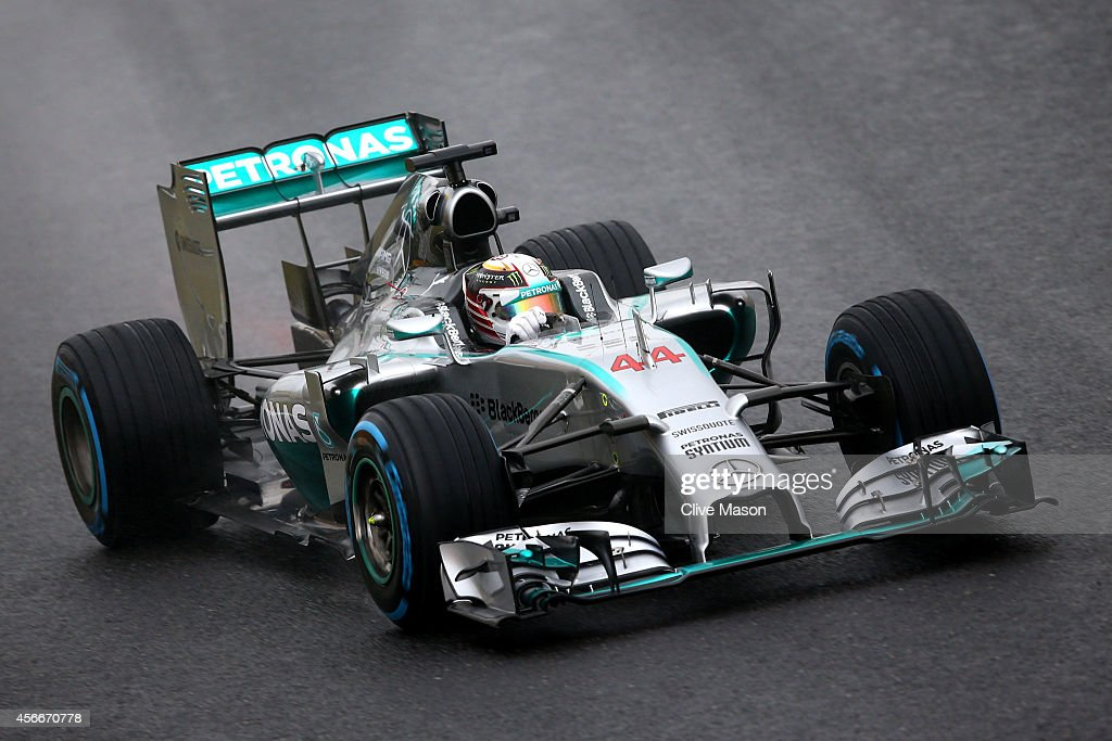 Lewis Hamilton of Great Britain and Mercedes GP drives during the Japanese Formula One Grand Prix at Suzuka Circuit on October 5 2014 in Suzuka Japan