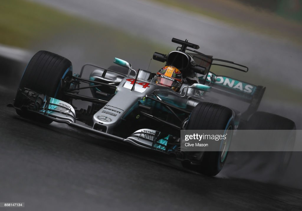 Lewis Hamilton of Great Britain driving the (44) Mercedes AMG Petronas F1 Team Mercedes F1 WO8 on track during practice for the Formula One Grand Prix of Japan at Suzuka Circuit on October 6, 2017 in Suzuka.