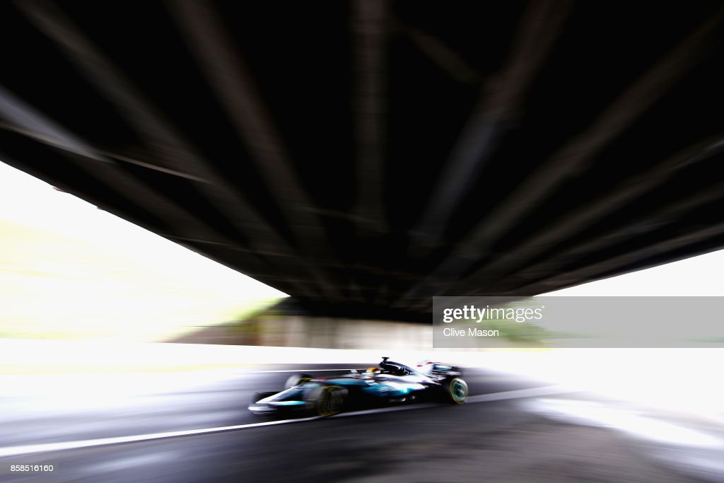 Lewis Hamilton of Great Britain driving the (44) Mercedes AMG Petronas F1 Team Mercedes F1 WO8 on track during qualifying for the Formula One Grand Prix of Japan at Suzuka Circuit on October 7, 2017 in Suzuka.