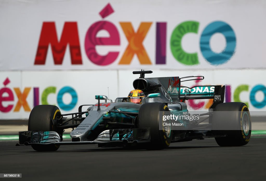 Lewis Hamilton of Great Britain driving the (44) Mercedes AMG Petronas F1 Team Mercedes F1 WO8 on track during the Formula One Grand Prix of Mexico at Autodromo Hermanos Rodriguez on October 29, 2017 in Mexico City, Mexico.