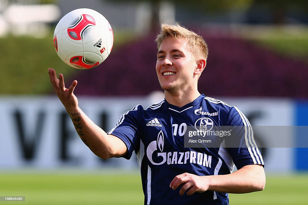 <a gi-track='captionPersonalityLinkClicked' href=/galleries/search?phrase=Lewis+Holtby&family=editorial&specificpeople=5351202 ng-click='$event.stopPropagation()'>Lewis Holtby</a> juggles with the ball during a Schalke 04 training session at the ASPIRE Academy for Sports Excellenc on January 4, 2013 in Doha, Qatar.