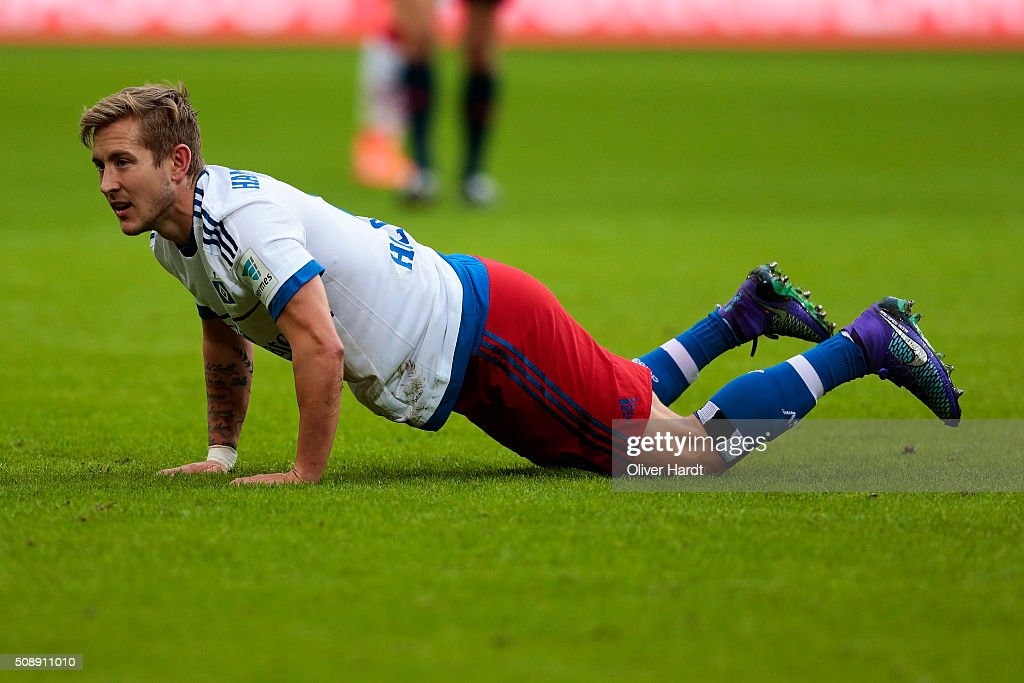 <a gi-track='captionPersonalityLinkClicked' href=/galleries/search?phrase=Lewis+Holtby&family=editorial&specificpeople=5351202 ng-click='$event.stopPropagation()'>Lewis Holtby</a> of Hamburg appears frustrated during the First Bundesliga match between Hamburger SV and 1. FC Koeln at Volksparkstadion on February 7, 2016 in Hamburg, Germany.