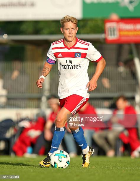 Lewis Holtby of Hamburg controls the ball during the preseason friendly match between Rotenburger SV and Hamburger SV on July 12 2017 in Rotenburg...