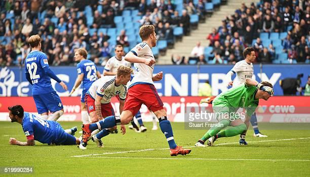 Lewis Holtby of Hamburg scores his goal during the Bundesliga match between Hamburger SV and SV Darmstadt 98 at Volksparkstadion on April 9 2016 in...