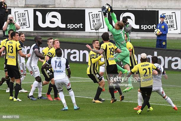 Lewis Italiano of the Wellington Phoenix claims the corner during the round nine ALeague match between the Wellington Phoenix and the Melbourne...