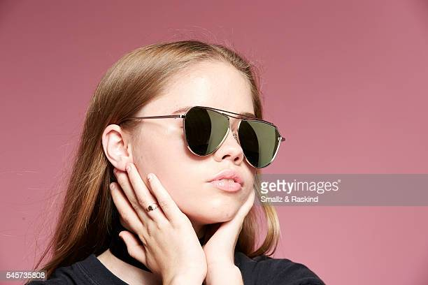 Lexee Smith takes a portrait at Beautycon Festival Los Angeles on July 9 2016 in Los Angeles California @raskindphoto @smallzphoto