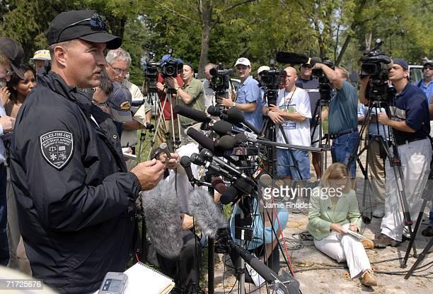 Lexington Blue Grass Airport Cheif of Public Saftey Scott Lanter addresses the media about Comair Flight 5191 that crashed shortly after departure...