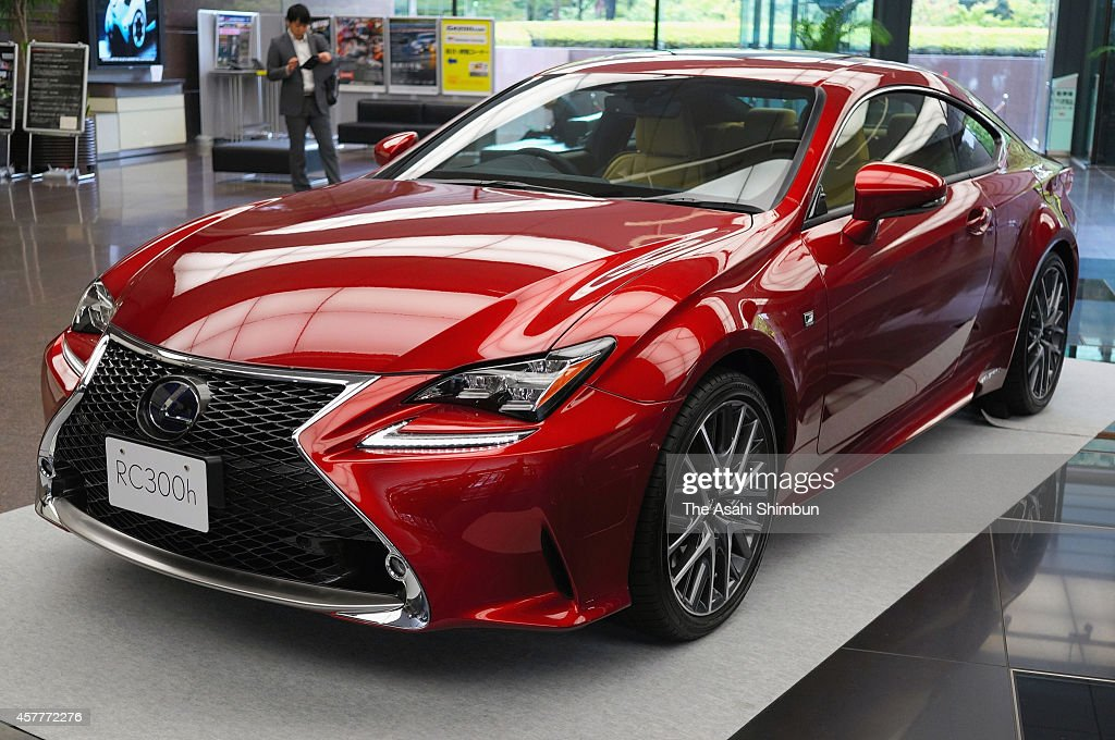 lexus launches 39 rc 39 sports coupe getty images. Black Bedroom Furniture Sets. Home Design Ideas