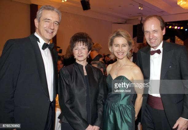 Leyen Ursula von der Politician Federal Minister for Family Affairs Senior Citizens Women and Youth CDU Germany with her husband Heiko the politician...