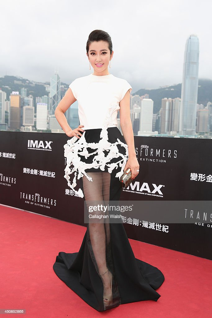 <a gi-track='captionPersonalityLinkClicked' href=/galleries/search?phrase=Li+Bingbing&family=editorial&specificpeople=697017 ng-click='$event.stopPropagation()'>Li Bingbing</a> arrives at the worldwide premiere screening of 'Transformers: Age of Extinction'at the on June 19, 2014 in Hong Kong, Hong Kong.